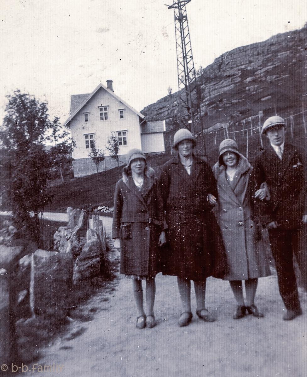 1931 -
