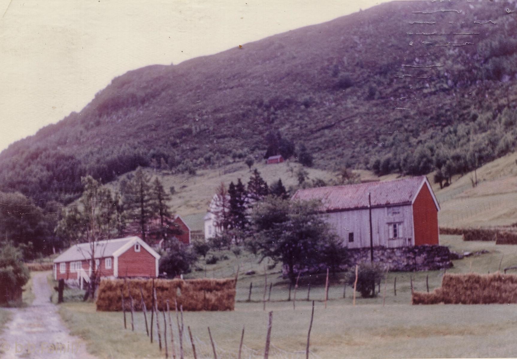 Ca 1958 Hessevåg bakken i Rugsund
