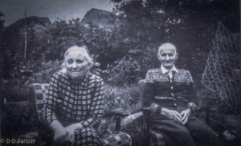 1951 - Serina og August